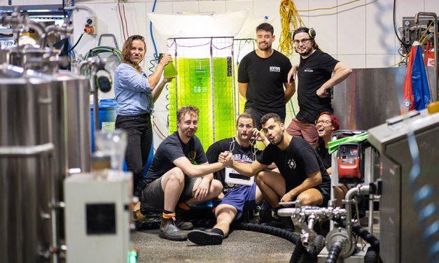 Brewery Cuts CO2 with Algae